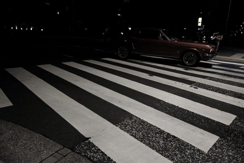 六本木 夜 車