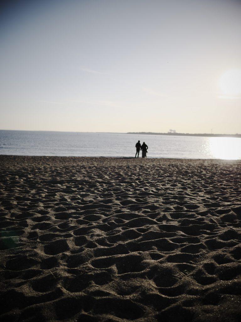 砂浜 海 人物 遠景