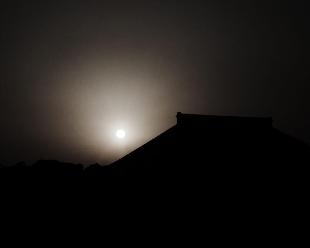 谷中 夕暮れ 夕日