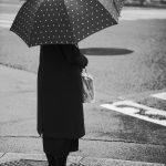 金座 女性 傘