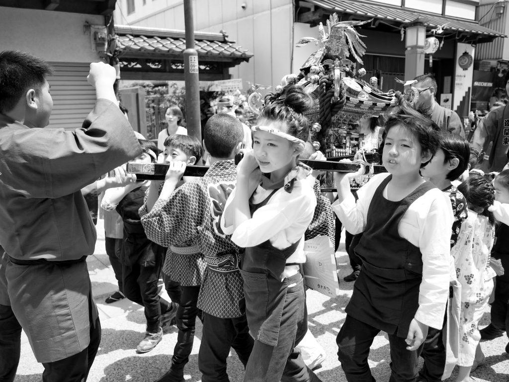 浅草 三社祭 子供