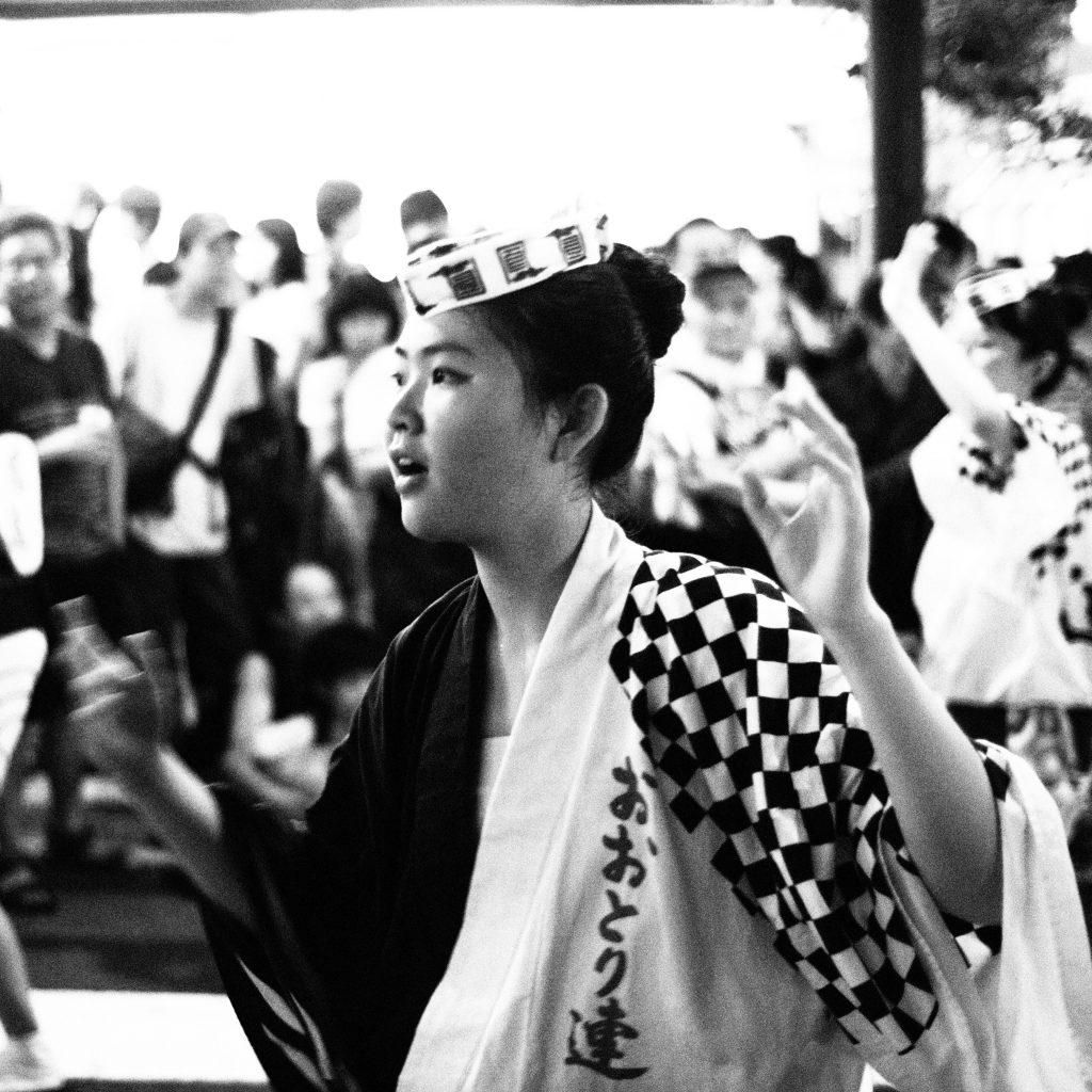 神楽坂 阿波踊り 少女