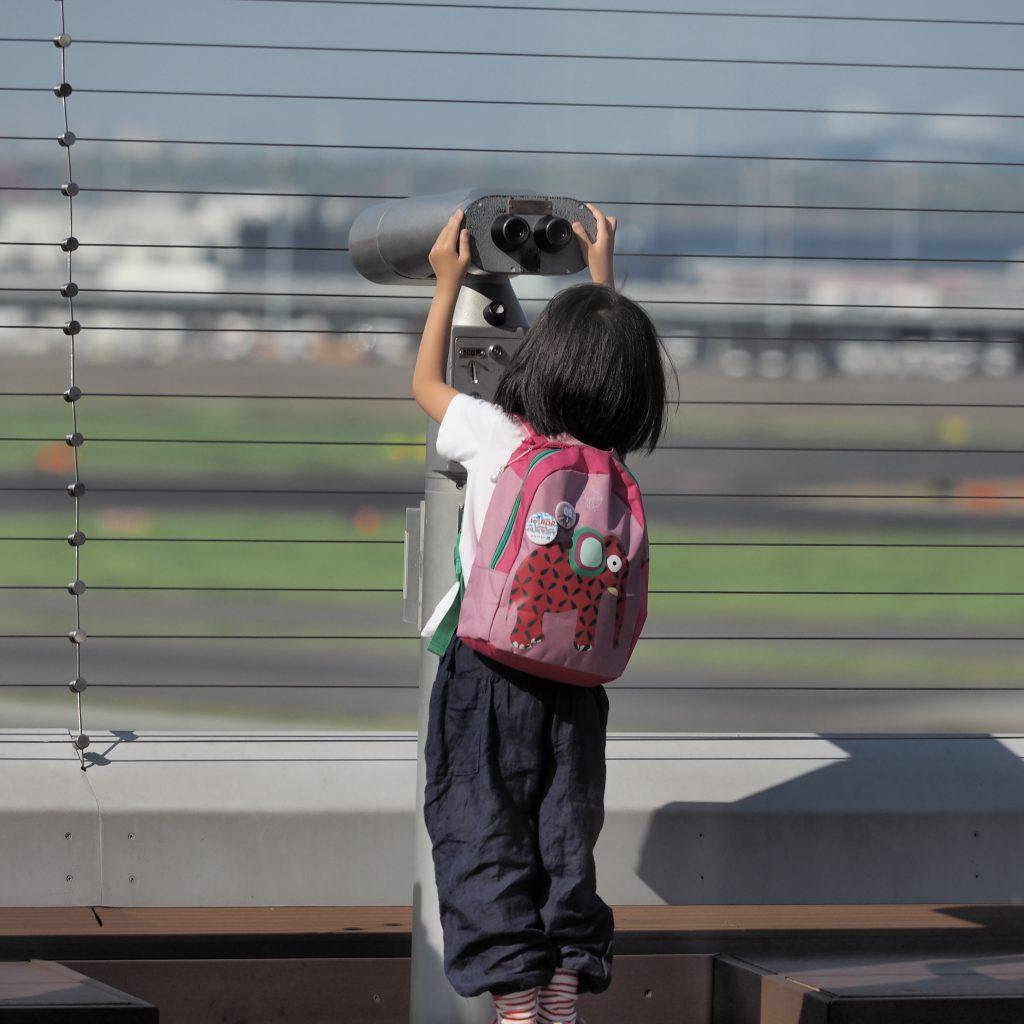 羽田空港 展望台 双眼鏡 女の子 Haneda