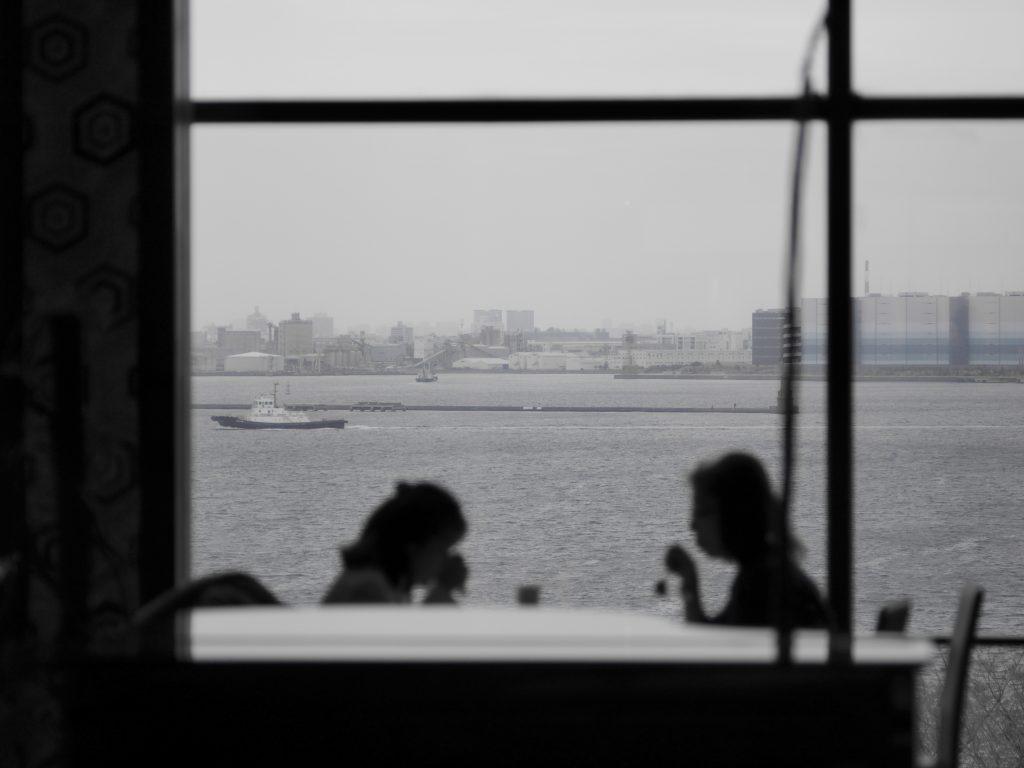 横浜 大桟橋 シルエット