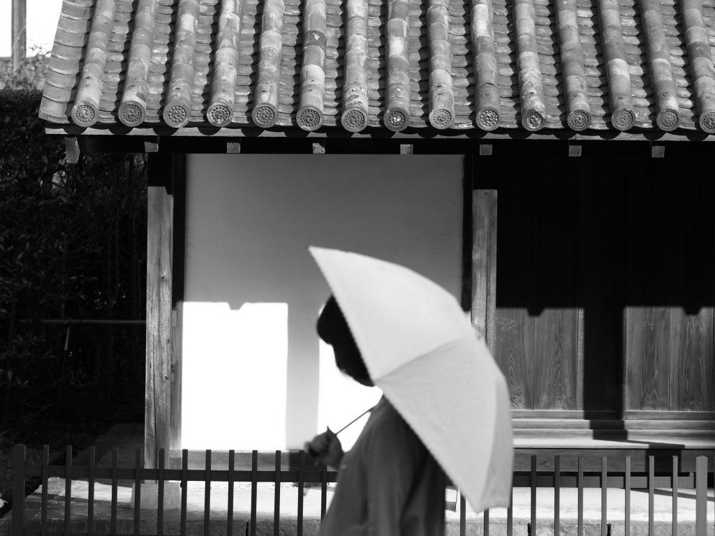 日傘 人物